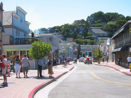 Downtown-Tiburon-on-a-sunny-afternoon.-445x333.jpg